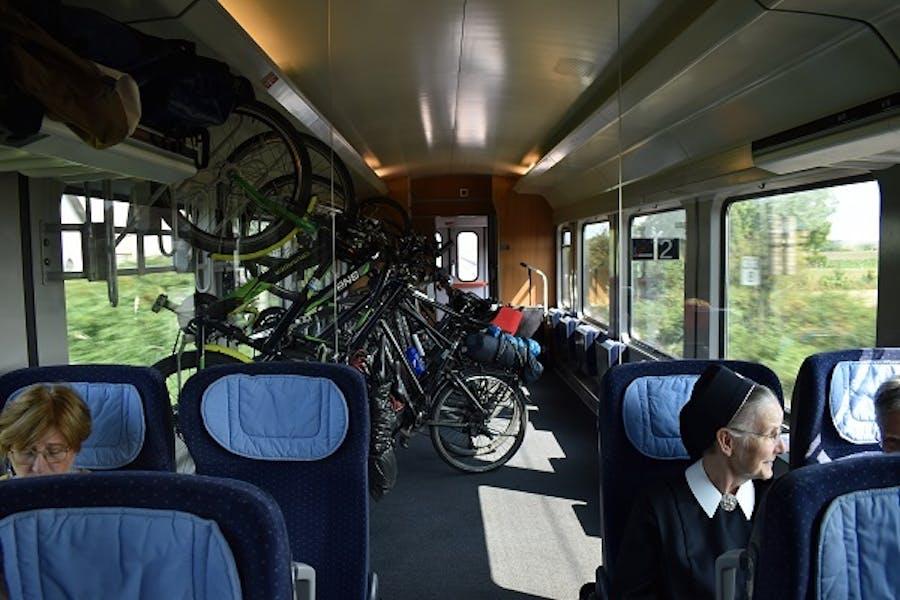 2019080 Fietsen op de trein
